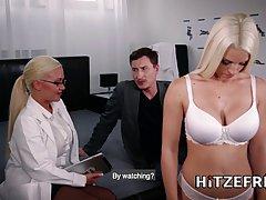 Top video: Грудастая блондинка с проколола соски С А Р А был разработан, чтобы бы...
