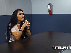 Черная волосатая Латина-это будет самый лучший секс в местной тюрьме