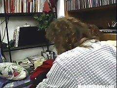 Зрелая женщина со многими пирсинг оргия с ее непослушных друзей в свое