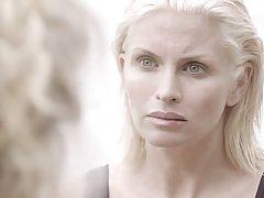 Каролина Gynning прекрасная светловолосая женщина, которая любит быстр