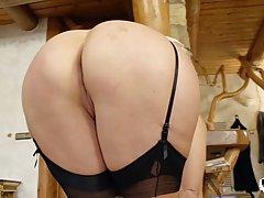 Украинская блондинка Виттория Дольче поимели в задницу, пока она носил...