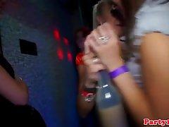 Европейский девочек, Групповой секс со своими друзьями в ночной клуб и